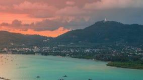 Timelapse Ao查龙海湾和城市海边日落风景在普吉府,泰国 股票录像