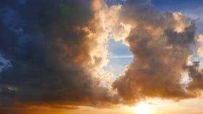 Timelapse ardent de nuages clips vidéos