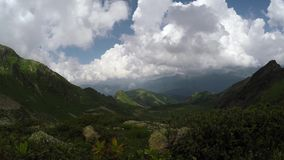 Timelapse asombroso en las montañas almacen de metraje de vídeo