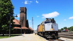 Timelapse através do trem do trilho em Brantford, Canadá 4K filme