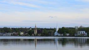 Timelapse av de tre kyrkorna av den Mahone fjärden i Nova Scotia 4K stock video