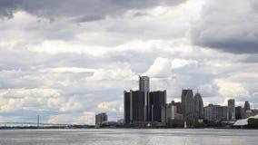 Timelapse av Detroit, Michigan och ambassadören Bridge 4K stock video