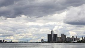 Timelapse av Detroit, Michigan, Windsor, Ontario och ambassadören Bridge 4K lager videofilmer