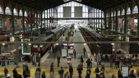 Timelapse av drevstationen Gare du nord arkivfilmer