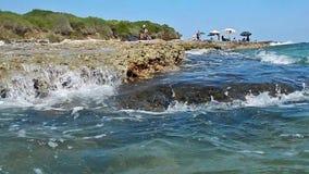 Timelapse av en medelhavs- strand i Salento, Apulia, Italien arkivfilmer