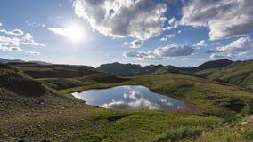Timelapse av ett aftonlandskap i Rocky Mountains, rödbrun-Snowmass vildmark stock video