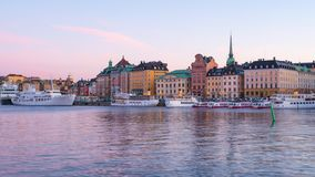 Timelapse av Stockholm stadshorisont på natten i den Stockholm staden, Sverige tidschackningsperiod 4K stock video