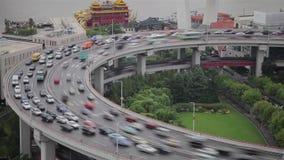 Timelapse av trafik p? den Nanpu spiralen, Shanghai, Kina lager videofilmer