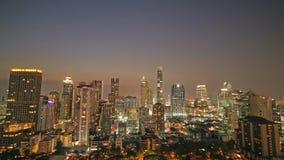 Timelapse Bangkok Cityscape av den moderna kontorsaffären på solnedgången stock video