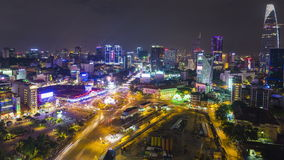 Timelapse-Bewegungsluftnachtansicht von Ben Thanh-Markt stock footage