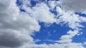 Timelapse bielu chmury zbiory