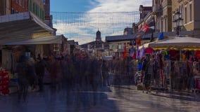 Timelapse bij het markthoogtepunt van mensen in openlucht stock footage