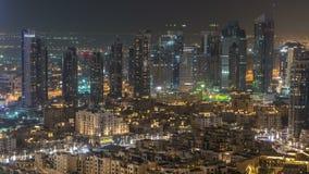 Timelapse céntrico de la noche de Dubai Visión superior desde arriba almacen de metraje de vídeo