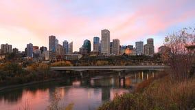 Timelapse centro de ciudad de Edmonton, Canadá en la caída 4K metrajes