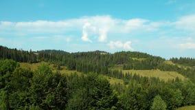Timelapse chmury i piękni zieleni wzgórza zbiory wideo