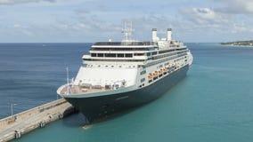 Timelapse Cruiseship im Hafen Bridgetown Barbados stock video