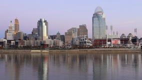 Timelapse d'horizon de Cincinnati au lever de soleil 4K