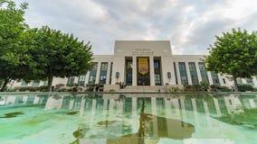 Timelapse da construção da faculdade da cidade de Pasadena filme