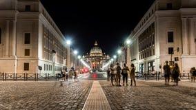 Timelapse da fachada principal da basílica de San Pietro, Vaticano roma vídeos de arquivo