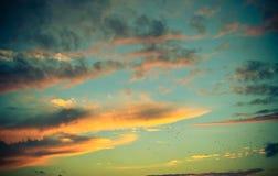 Timelapse da noite com por do sol e nuvens Fotografia de Stock Royalty Free