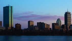Timelapse da skyline de Boston através do porto na noite 4K filme