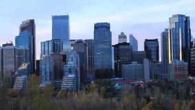 Timelapse dag till natten Calgary, Alberta centrum 4K arkivfilmer