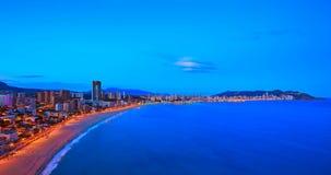 Timelapse de coucher du soleil de plage de Poniente de playa de Benidorm Alicante en Espagne banque de vidéos