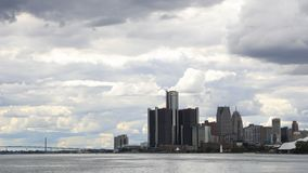 Timelapse de Detroit, de Michigan y del embajador Bridge 4K almacen de video