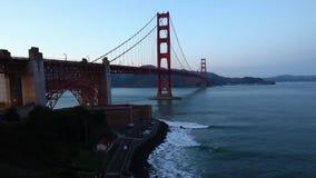 Timelapse de golden gate bridge, San Francisco como a noite cai 4K filme