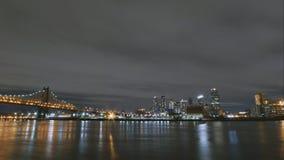 Timelapse de grande ville - gratte-ciel de Manhattan d'horizon de nuit Photo stock