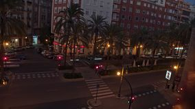 Timelapse de la calle en Valencia a partir del día a la noche, España almacen de video