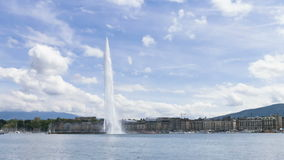 Timelapse de la fuente de agua de Ginebra (d'eau del jet) en Ginebra, Suiza almacen de metraje de vídeo
