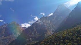 Timelapse de la montaña de la región de Annapurna Timelapse de nubes alrededor de una montaña nepal almacen de video