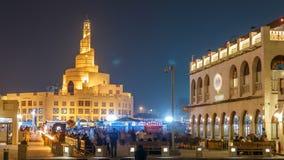 Timelapse de la noche de Souq Waqif en Doha, Qatar almacen de metraje de vídeo