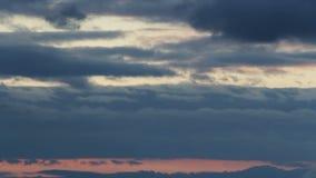 Timelapse de la nube al cielo de la puesta del sol almacen de video
