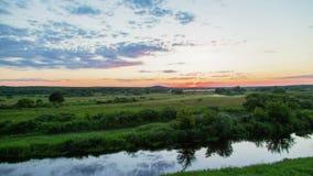 Timelapse de la puesta del sol del paisaje almacen de video