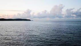 Timelapse de la puesta del sol en la costa almacen de video