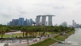 Timelapse de la puesta del sol de Singapur Marina Bay Sands Gardens almacen de metraje de vídeo