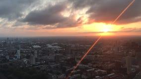 Timelapse de la salida del sol sobre Londres del este metrajes