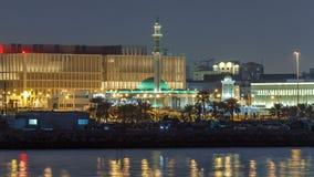 Timelapse de la torre de Al Shouyoukh Mosque y de reloj en Doha, Qatar metrajes