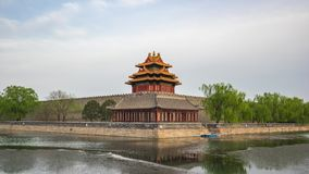 Timelapse de la torre de la esquina de la ciudad Prohibida en lapso de tiempo de Pekín, China almacen de metraje de vídeo
