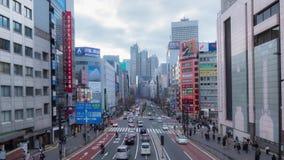Timelapse de la travesía apretada en el lado oeste del Shinjuku