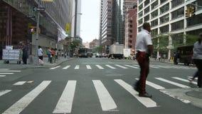 Timelapse de Nyc del paso de peatones almacen de metraje de vídeo