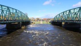 Timelapse de puentes gemelos en Westfield, Massachusetts 4K almacen de video