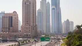 Timelapse de rey Salman Dubai del tráfico del puerto deportivo de Dubai almacen de video