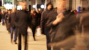 Timelapse dei pendolari alla notte stock footage