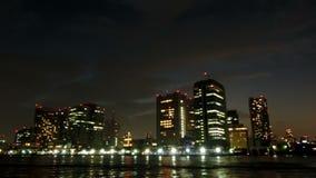 Timelapse del cloudscape de la puesta del sol sobre Tokio