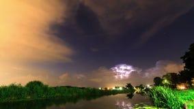 Timelapse del enfoque de la tempestad de truenos