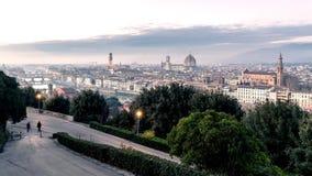 Timelapse del paisaje urbano de Florencia en la puesta del sol Día al paisaje escénico de la noche almacen de video