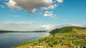 Timelapse del panorama del pueblo de Shiryaevo almacen de video